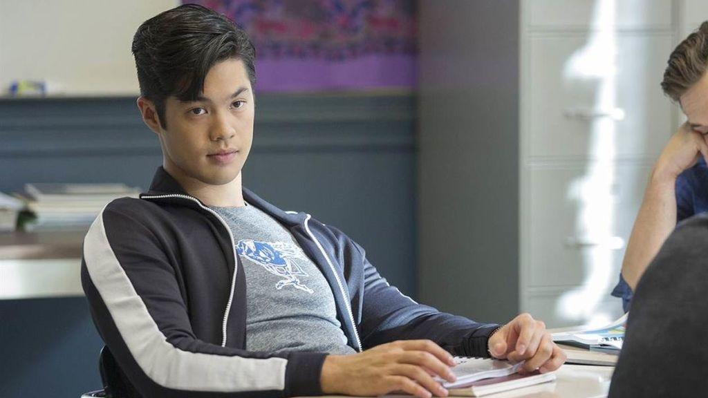 Ross Butler (Zach Dempsey), en una escena de la segunda temporada de 'Por 13 razones'.