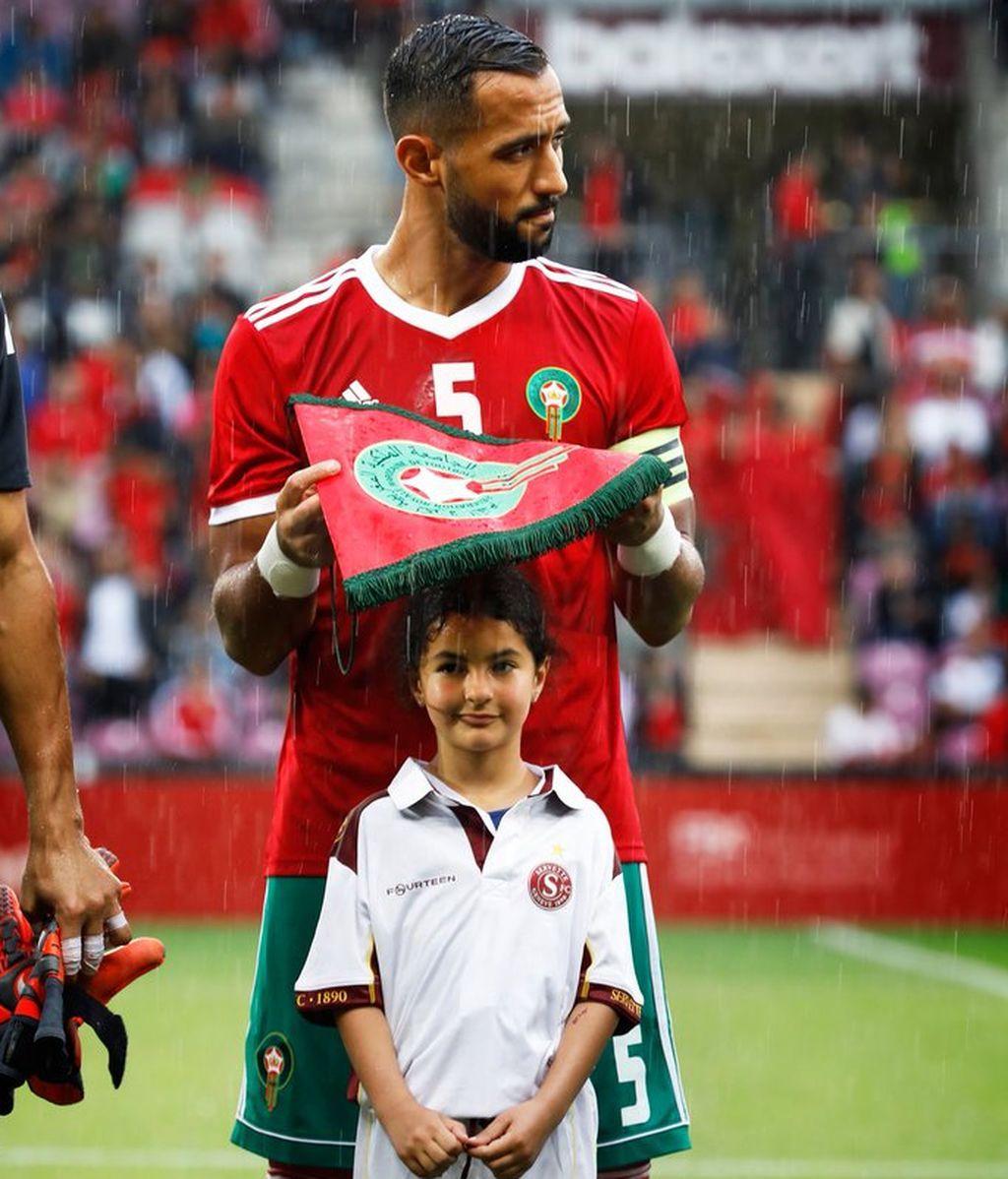 El gesto del capitán de Marruecos con una niña que enamora al mundo 😍