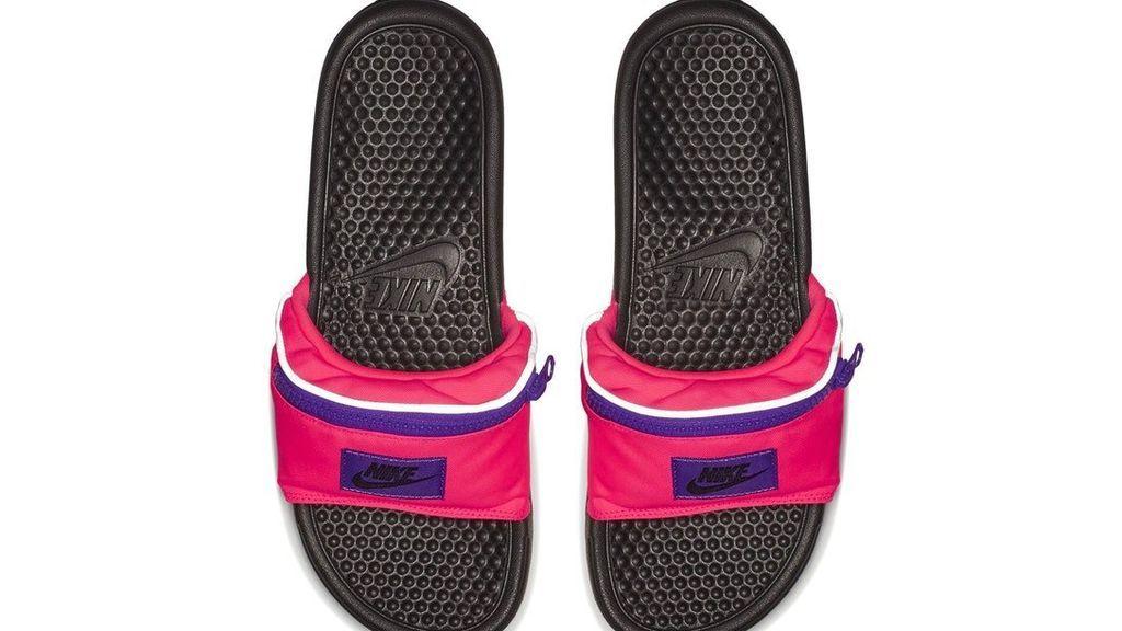 La sandalia riñonera: la nueva tendencia horrible que necesitas