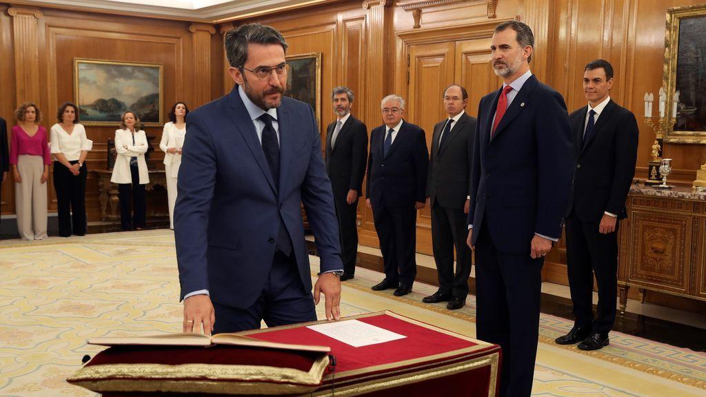 Màxim Huerta promete su cargo como ministro de Cultura ante el rey