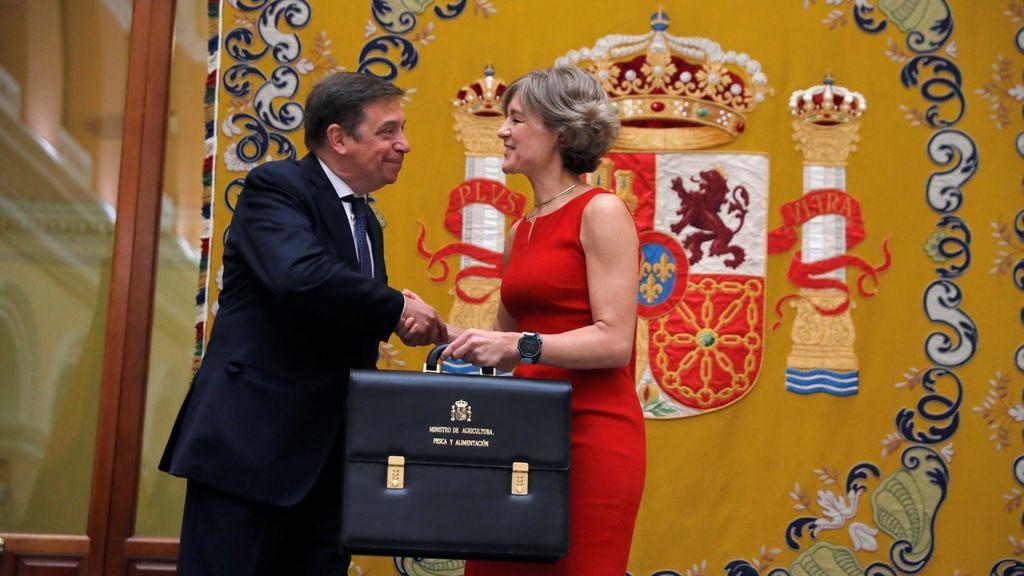 Luis Planas, nuevo ministro de Agricultura, recibe el cargo de manos de Tejerina