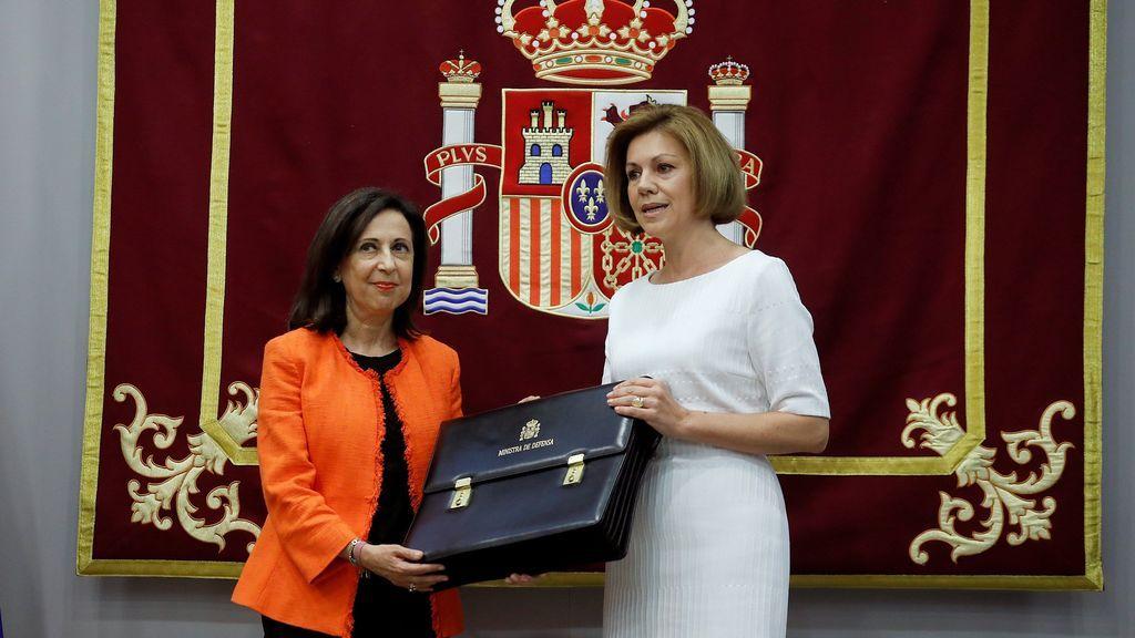 Margarita Robles recuerda a Carme Chacón en su toma de posesión como ministra de Defensa