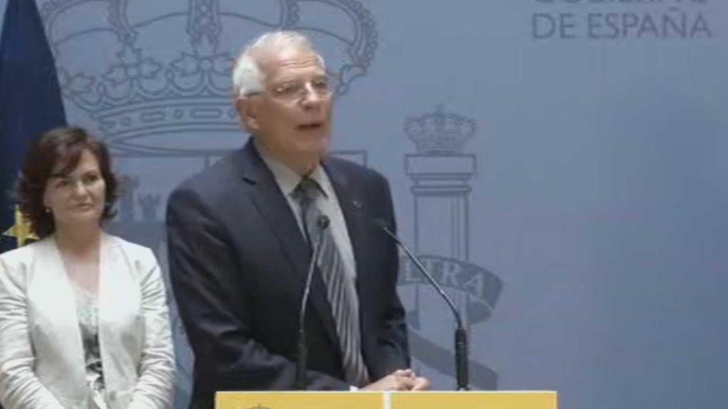 """Borrell: """"Un ministro es lo que son las personas que con él trabajan"""""""