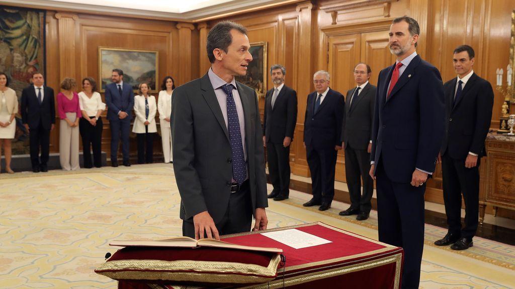 Pedro Duque promete ante el Rey su cargo de ministro de Ciencia