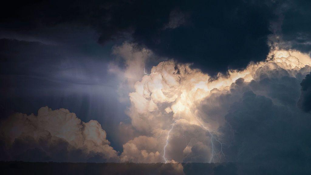 En esta época de tormentas, podrás diferenciar los tipos de rayos.