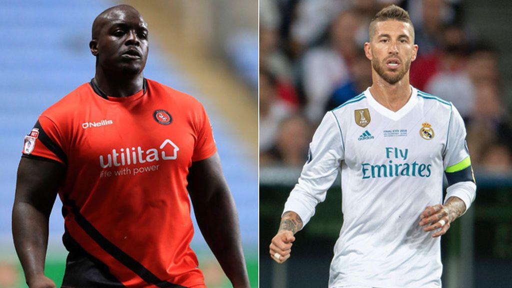 """El futbolista Akinfenwa amenaza a Sergio Ramos con """"retorcerle"""" por su acción con Salah"""
