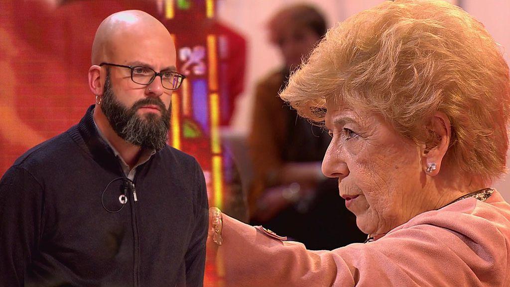 """Tensión entre Pilar Urbano y un periodista por el Opus Dei: """"Rebajas la categoría de este programa"""""""