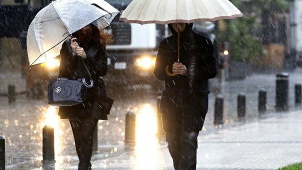 Las lluvias y tormentas predominan este sábado, con 11 provincias en alerta