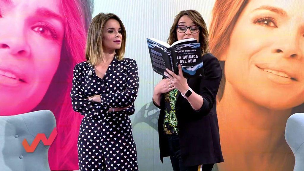"""¡La emoción de Toñi Moreno! Aparece en el nuevo libro de Carme Chaparro como """"la presentadora en zapatillas"""""""