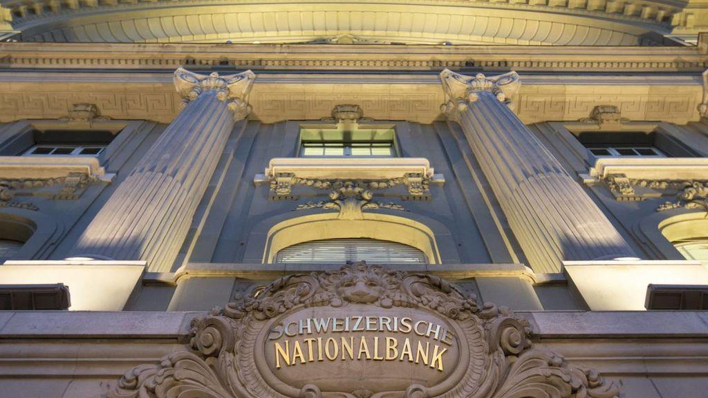 Suiza vota un referéndum para decidir si los bancos siguen 'fabricando' dinero