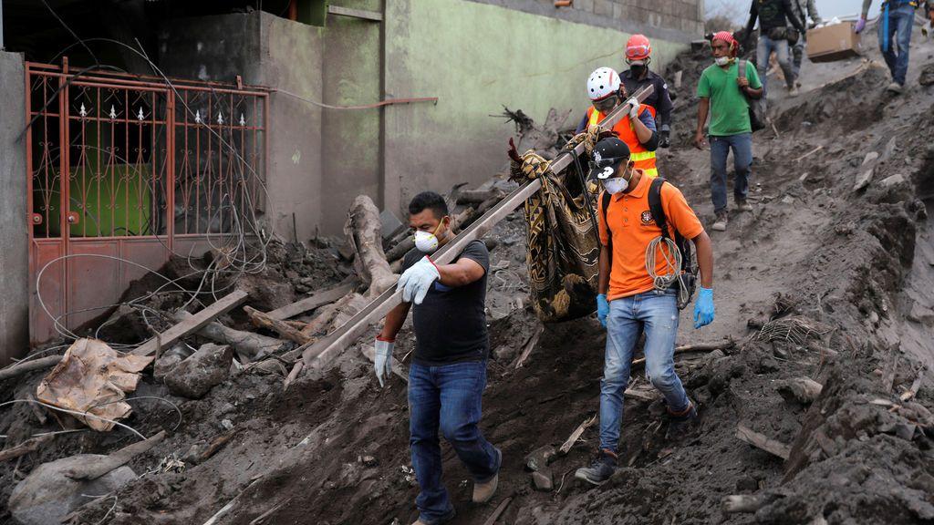 Siguen las labores de rescate en Guatemala