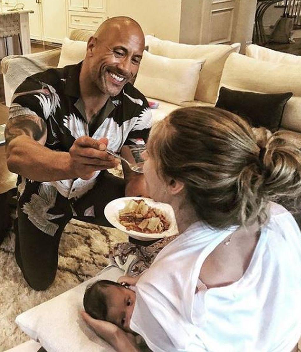 Dwayne 'La Roca' Johnson enternece a sus seguidores junto a su mujer y su hija
