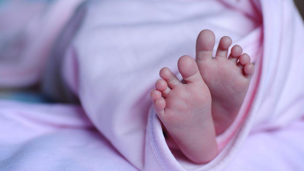En China, le amputan pierna a bebé por descuido