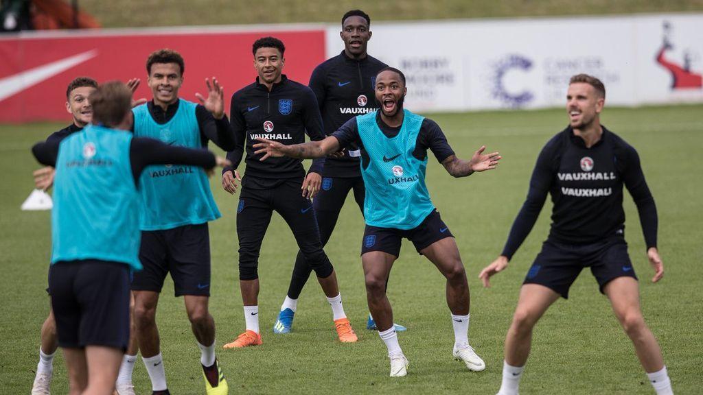 Advierten a los futbolista de Inglaterra del riesgo de utilizar Tinder en Rusia durante el Mundial