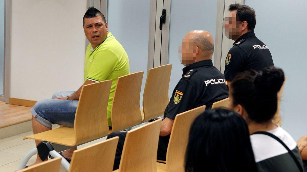 El acusado de emparedar y estrangular a su mujer en Torrevieja dice que fue en defensa propia