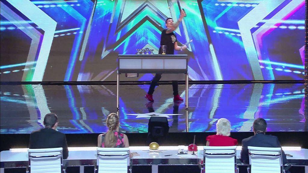 Cristian Balta pone a prueba los reflejos del jurado con su actuación