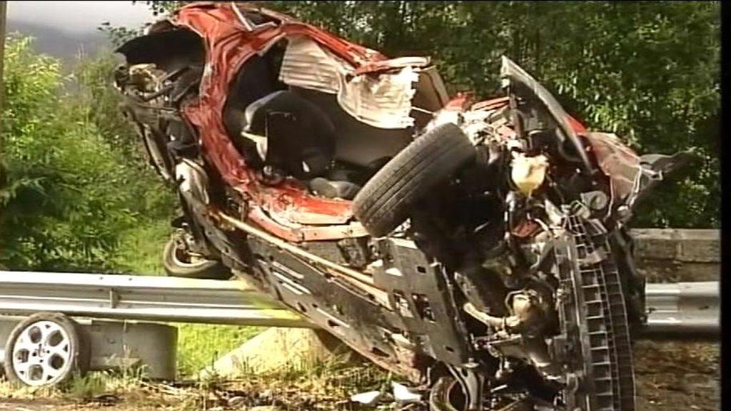 Mueren dos hermanos de 20 y 14 años en un accidente en A Coruña