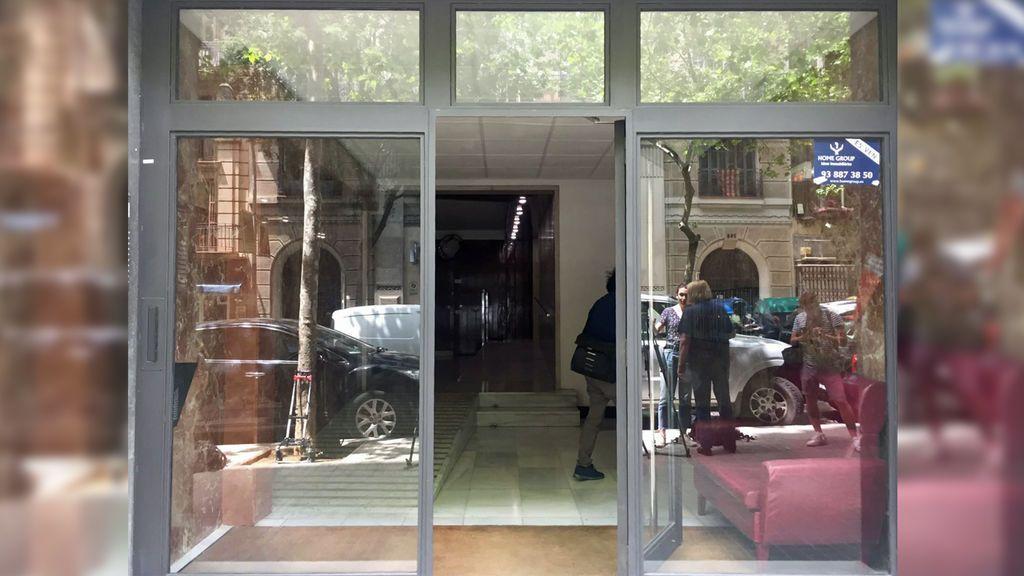 Hallan a un bebé muerto en el patio de luces de un edificio de Barcelona