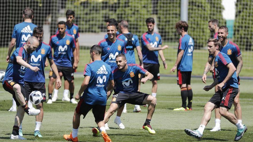 Entrenamiento de la selección española de fútbol en Krasnodar, el 12 de junio de 2018.