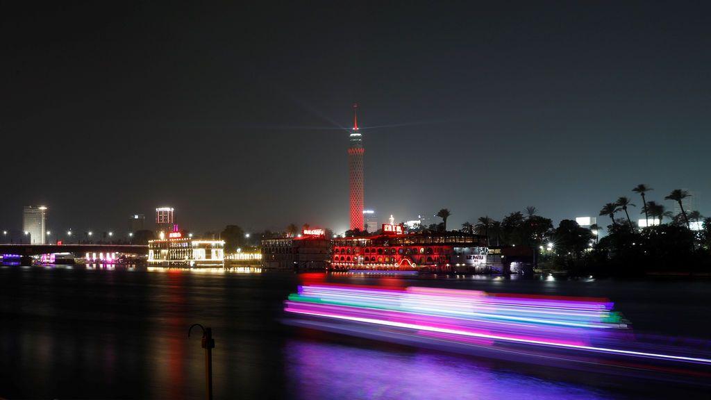Espectacular imagen nocturna de El Cairo
