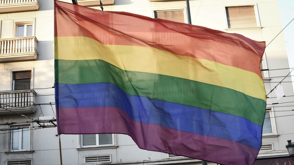 """Niega el alquiler a una pareja gay porque los vecinos """"no lo entenderían"""""""
