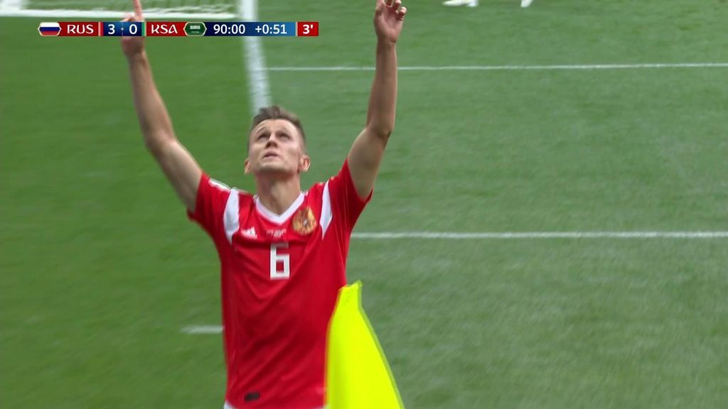Golazo de Cheryshev con el exterior para poner el 4-0 a favor de Rusia