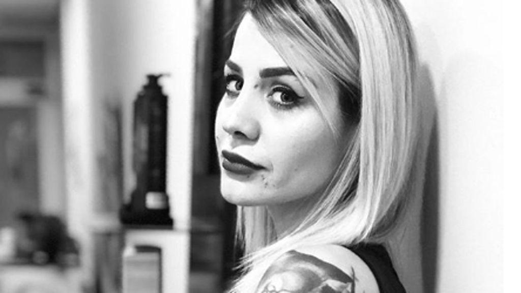 """Ariadna Cross 'GH' denuncia una negligencia médica: """"Gracias por destrozarme el dedo"""""""