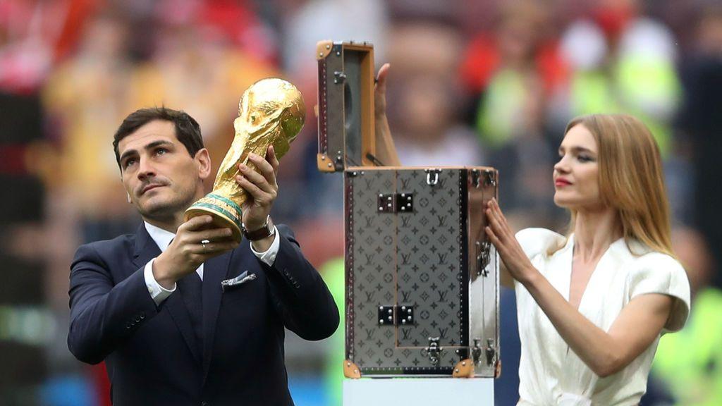 """El mensaje de Iker Casillas a la Copa: """"Cuantos recuerdos juntos, sigues igual que siempre"""""""