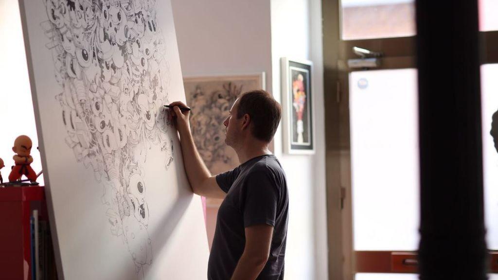 El ilustrador Óscar Llorens moderniza Madrid con su exposición 'Inside'