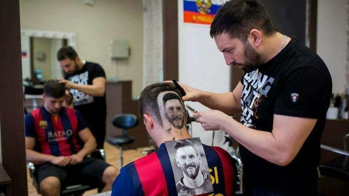 El peluquero serbio que retrata a Messi y a Cristiano en las cabezas de sus clientes