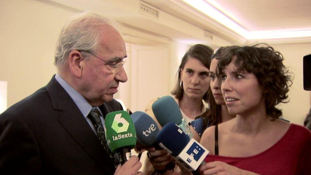 """Marta Nebot entrevista a Alfonso Guerra: """"O Pedro Sánchez hace concesiones o convoca elecciones"""""""