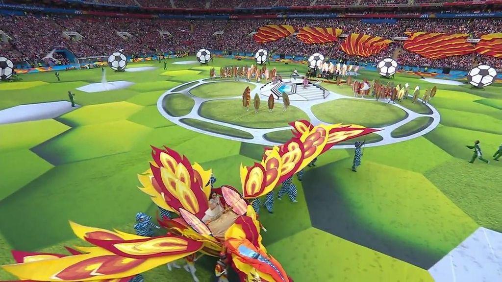 La espectacular carroza en la que ha cantado Aida Garifullina en la inauguración del Mundial de Rusia