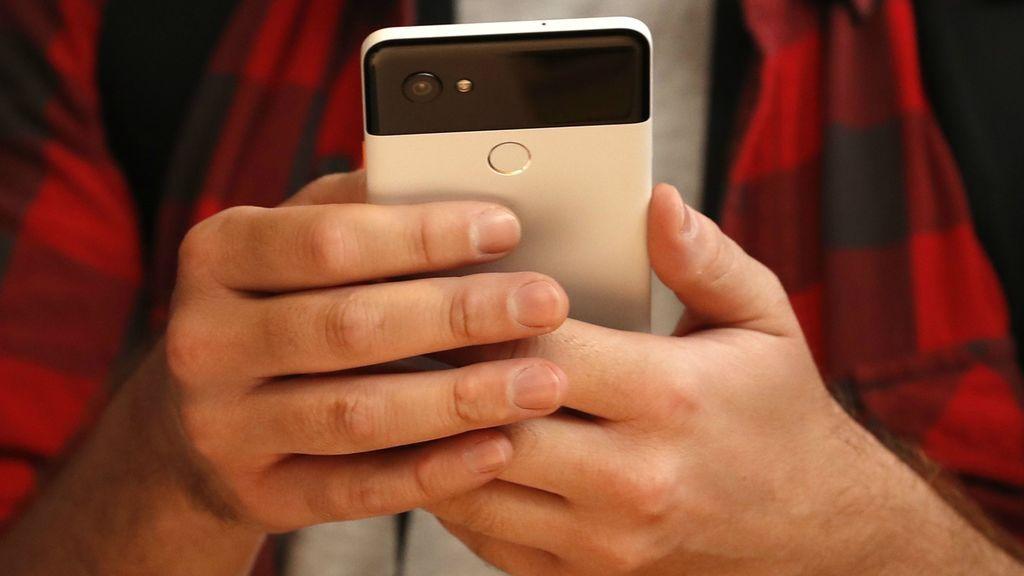 Leer en el móvil o tablet amenta nueve de los 10 problemas visuales más frecuencuentes