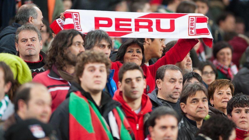 Un aficionado peruano engorda 25 kilos en un mes para comprar una entrada de discapacitado para el Mundial