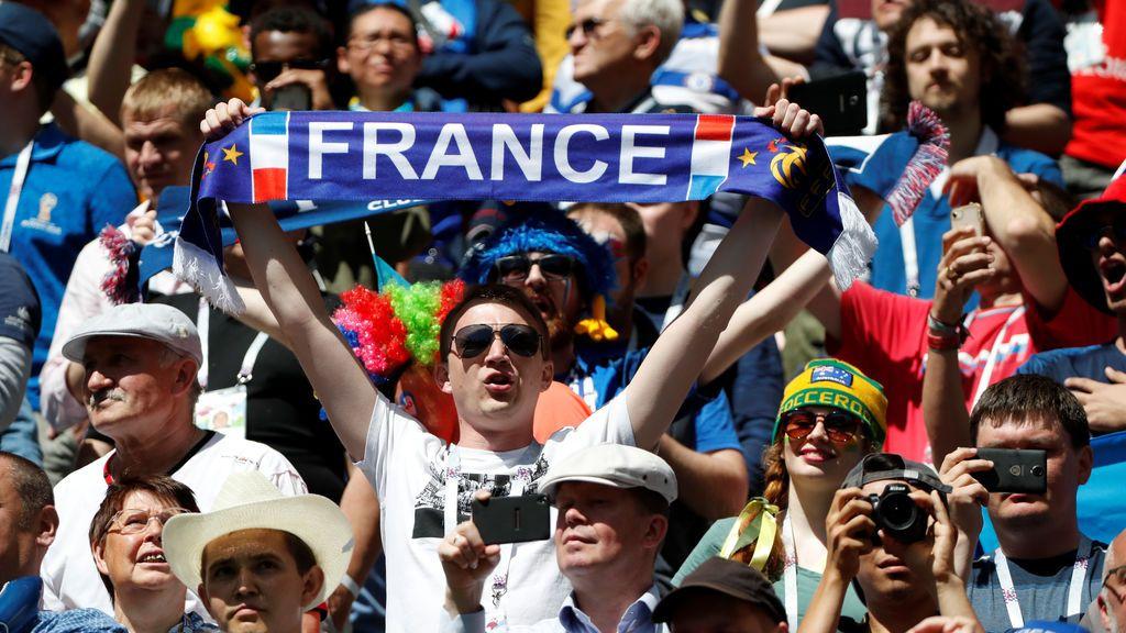 Una pareja gay sufre la primera agresión homófoba en la previa del partido de Francia