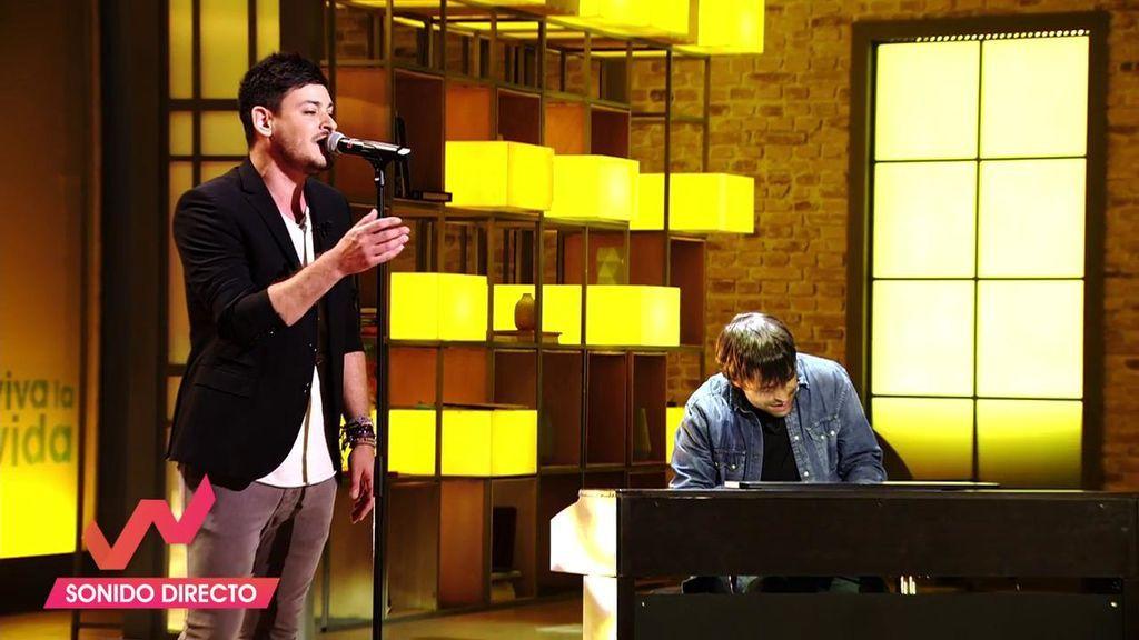 La actuación más especial de Cepeda: Canta 'Esta vez' con Manu Guix al piano