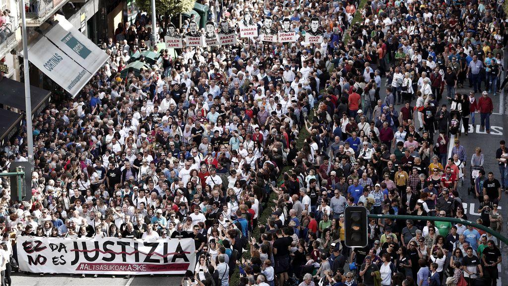 Pamplona se llena de manifestantes que protestan por la condena a los jóvenes de Alsasua