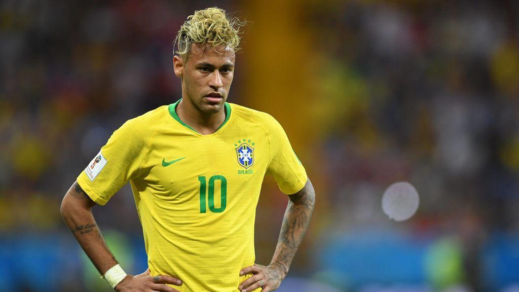 Neymar, mucha movilidad pero escasa efectividad en su primer partido oficial desde la lesión