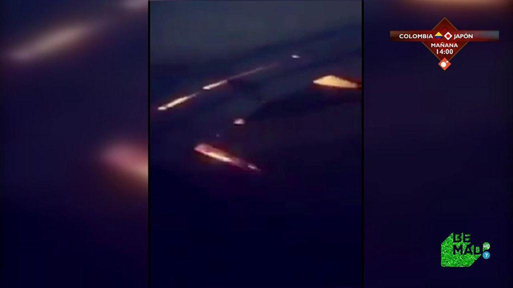 El avión en el que viajaba Arabia Saudí aterriza de emergencia después de que se incendiase el ala derecha