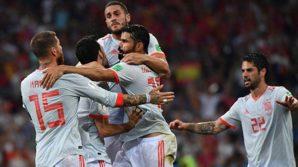 Los jugadores de la selección española celebran el gol de Diego Costa ante la selección de Portugal el 15 de junio de 2018 en el Mundial de Rusia.