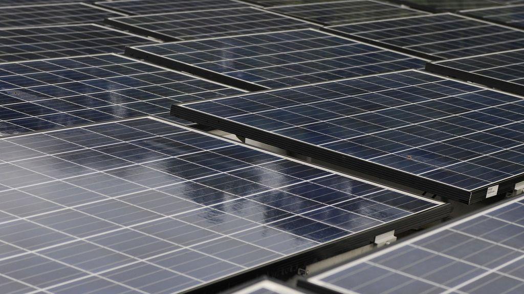 Nuevo mazazo judicial de 112 millones a España por el recorte de las  renovables