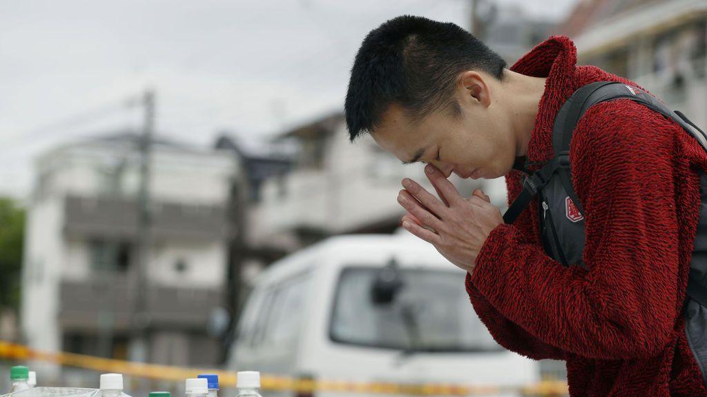 Luto por las muertes de un terremoto en Japón