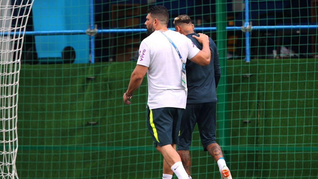 Neymar se retira lesionado del entrenamiento y enciende las alarmas en Brasil