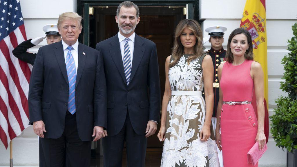 Aciertos y errores Los Reyes y los Trump. Letizia y Melania rivalizan