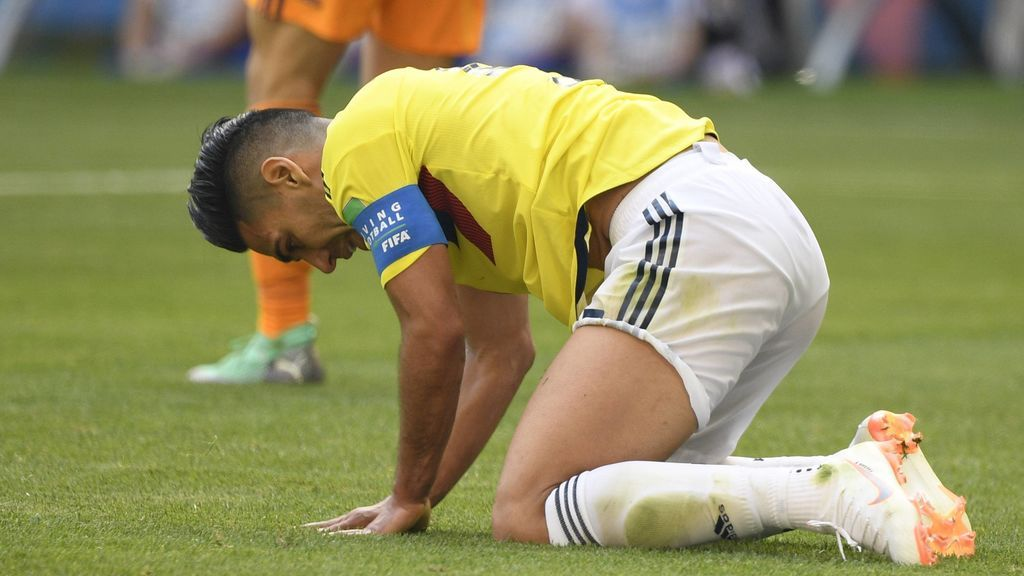 La expulsión de Carlos Sánchez condiciona el debut de Falcao: no se acerca al área y no termina como jugador más adelantado