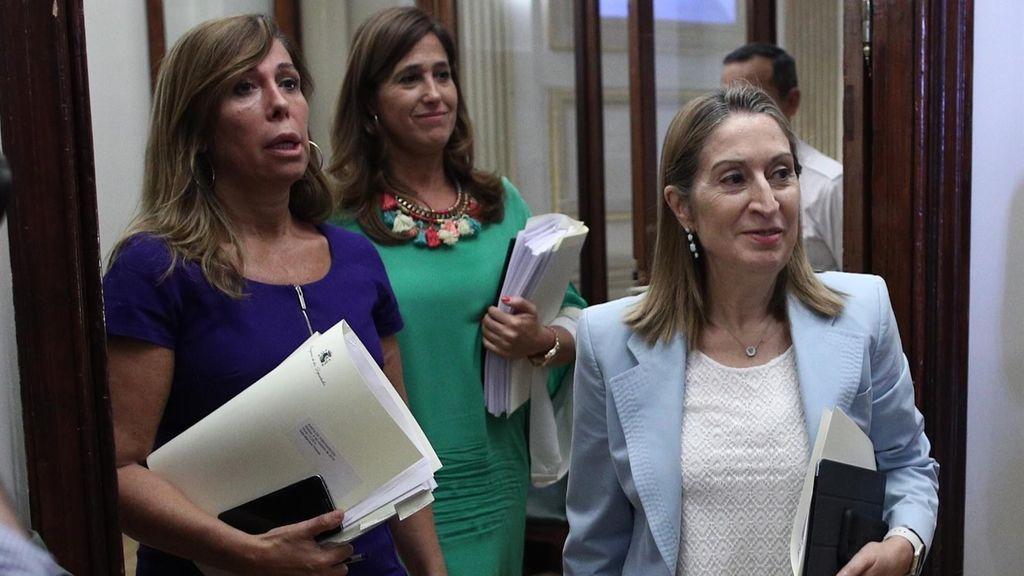 Las diputadas del PP Alicia Sánchez-Camacho y Rosa Romero y la presidenta del Congreso, Ana Pastor.