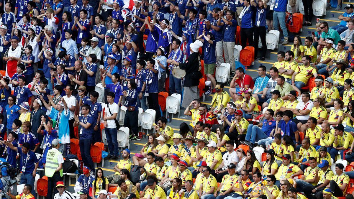 Un hincha colombiano falta el respeto a aficionados japoneses y su propio país se avergüenza de ello