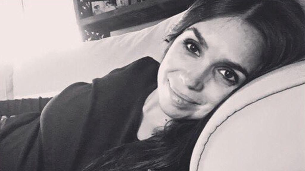 """Elena Furiase posa por primera vez embarazada: """"tú serás mi luz"""""""