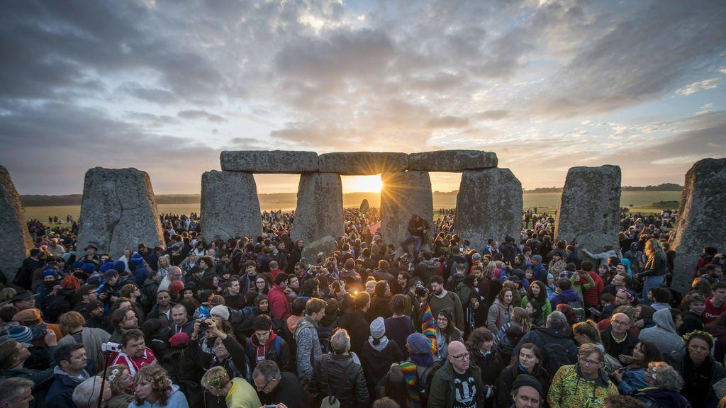 Solsticio de verano: las celebraciones más curiosas de la noche más corta alrededor del planeta