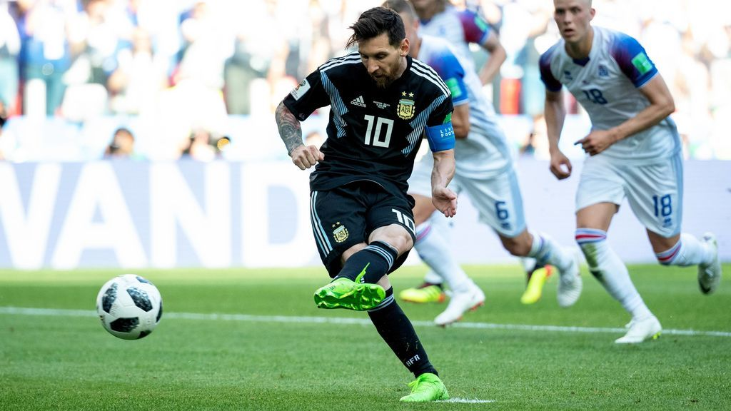 Dinamarca - Australia (14.00 en Cuatro), Francia - Perú (17.00 en Cuatro) y Argentina - Croacia (20.00 en Telecinco), este jueves